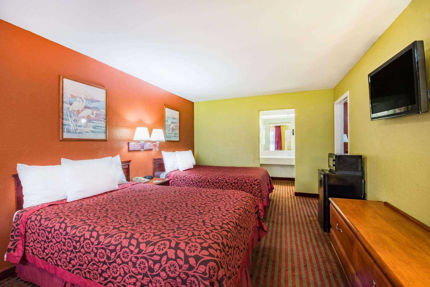 Suite - Days Inn McAllen