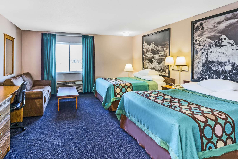 Room - Super 8 Hotel East Sioux Falls