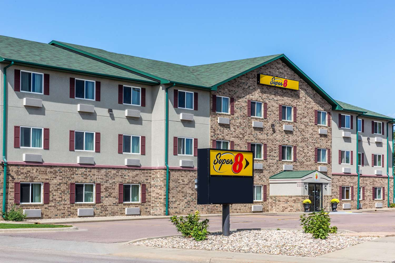 Exterior view - Super 8 Hotel East Sioux Falls