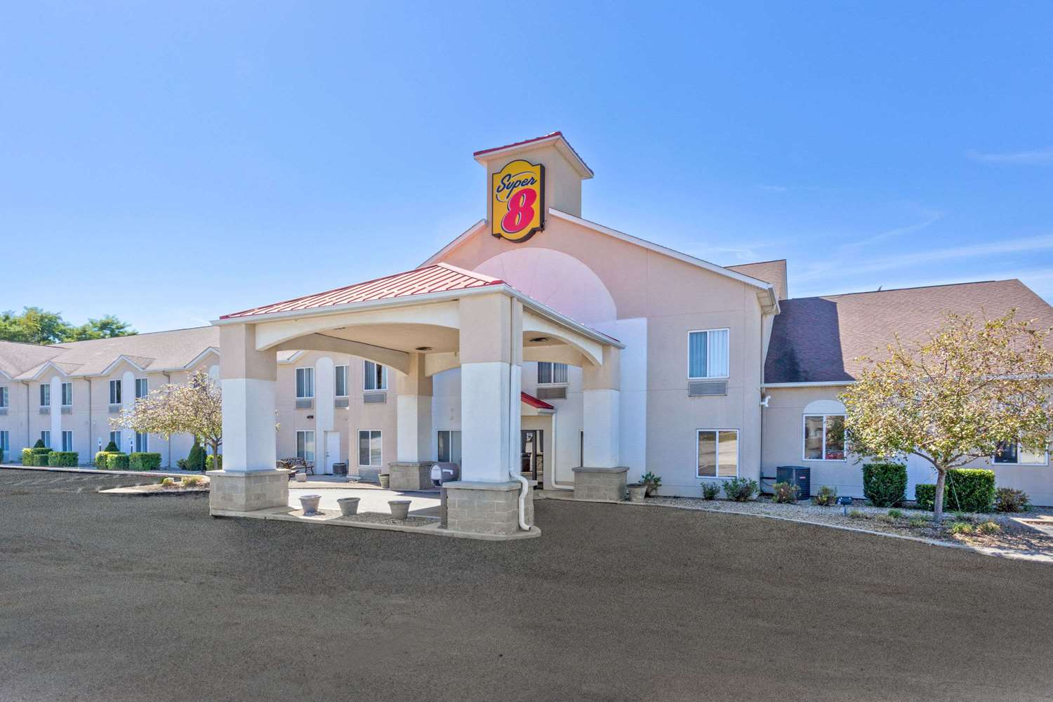 Exterior view - Super 8 Hotel Cloverdale