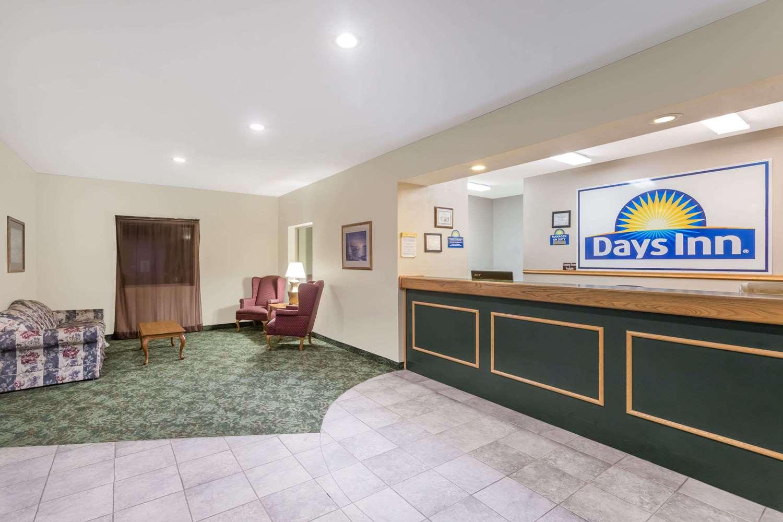 Lobby - Days Inn Manchester