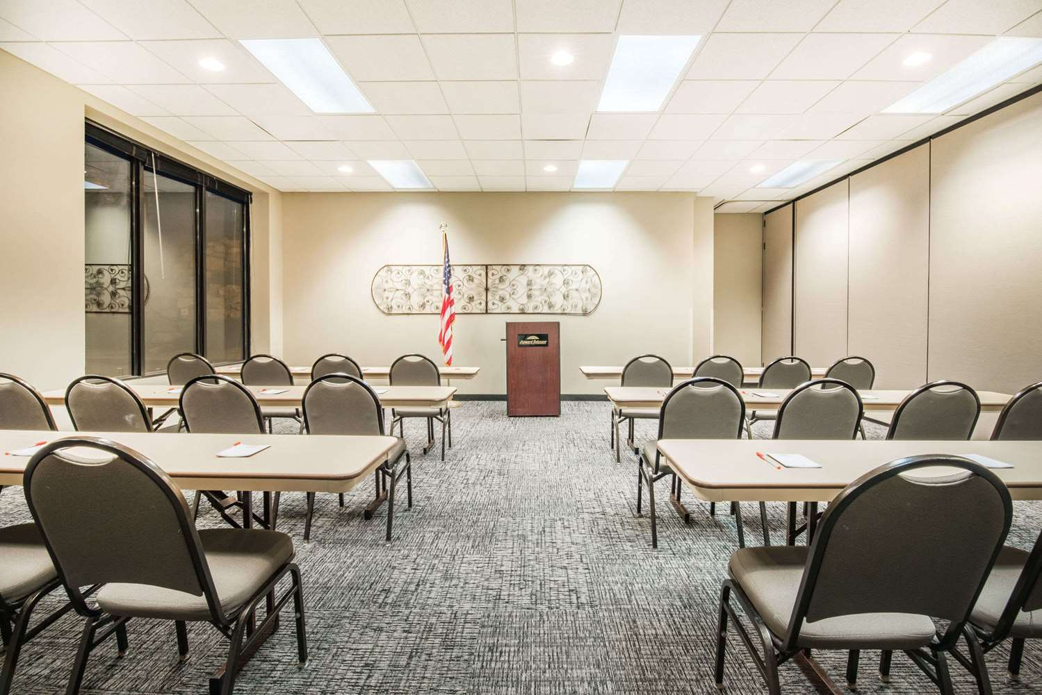Meeting Facilities - Howard Johnson Express Inn Rapid City