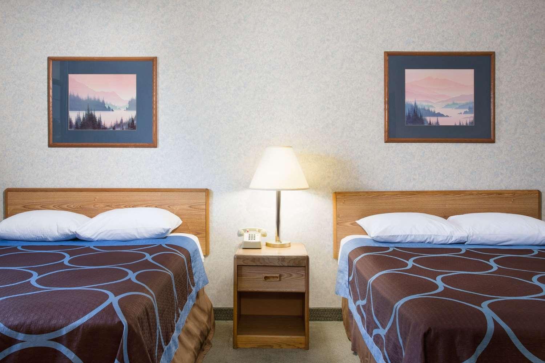 Room - Super 8 Hotel Bonanza Inn & Casino Fallon