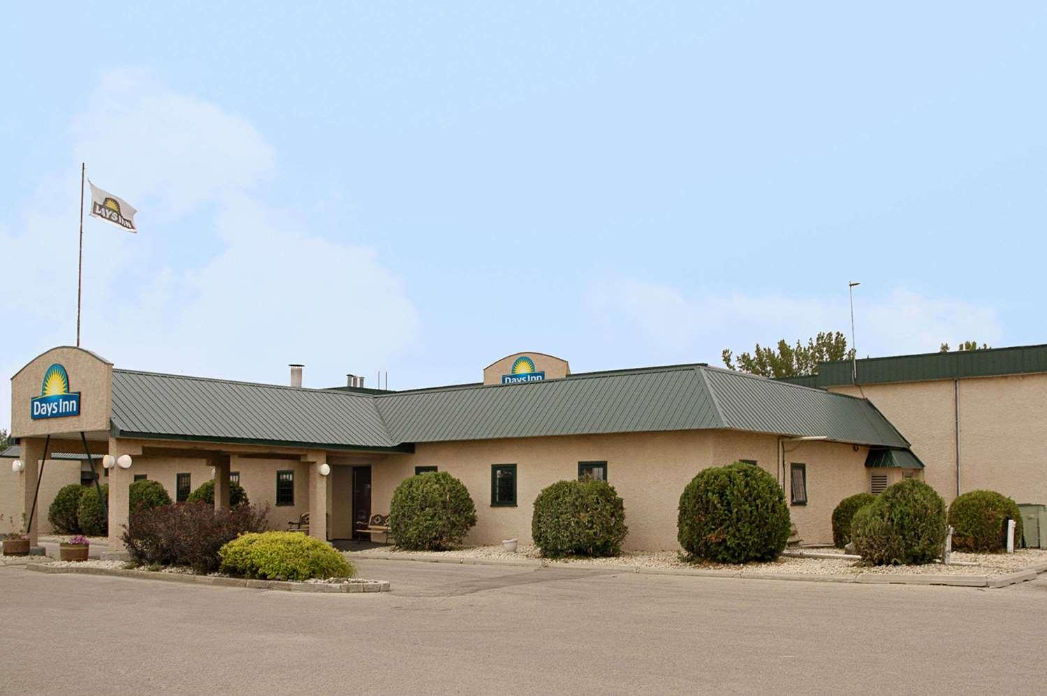 Exterior view - Days Inn Portage la Prairie