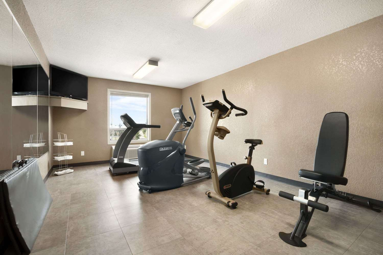 Fitness/ Exercise Room - Days Inn Airport Calgary