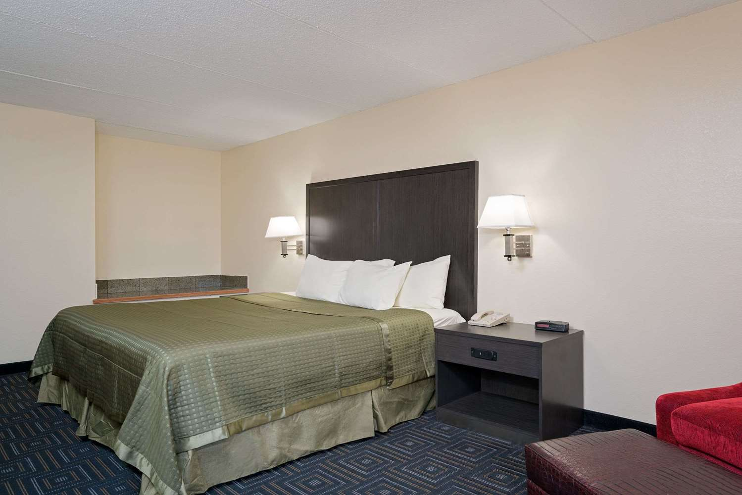 Room - Days Inn Mounds View