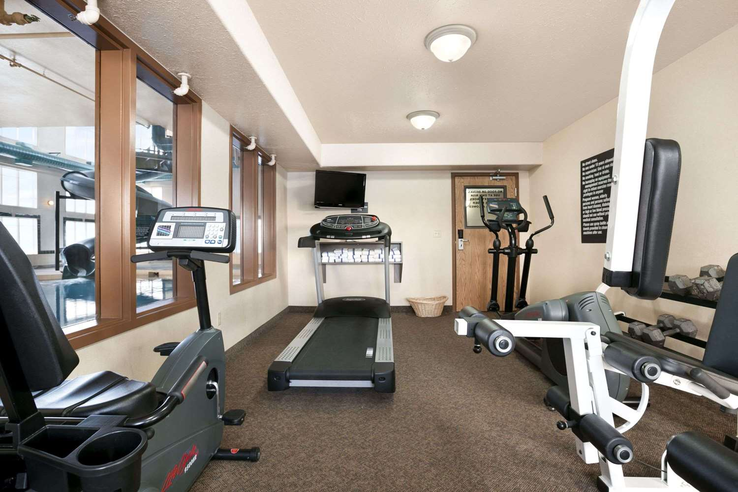 Fitness/ Exercise Room - Super 8 Hotel High Level