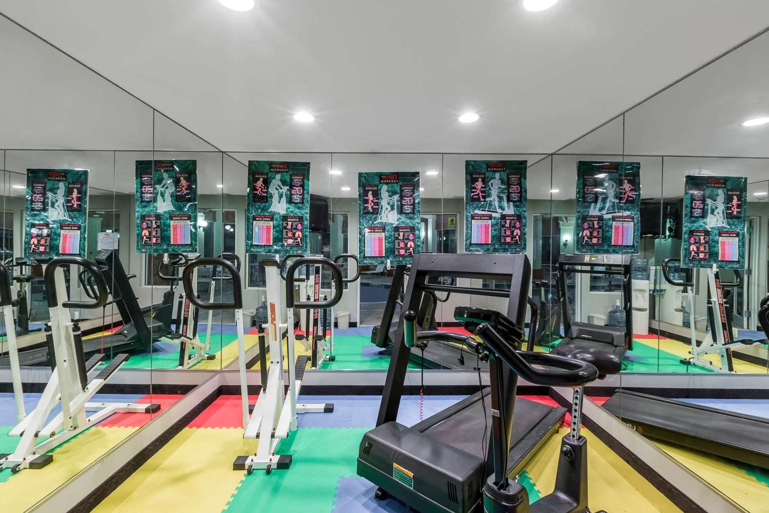 Fitness/ Exercise Room - Baymont Inn & Suites Pella