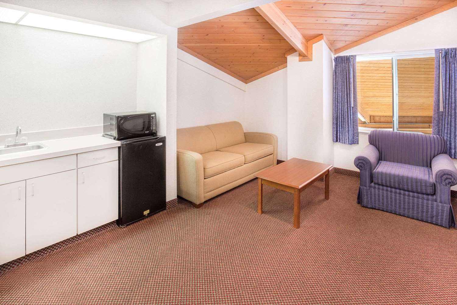 Baymont Inn Amp Suites Willows Ca See Discounts