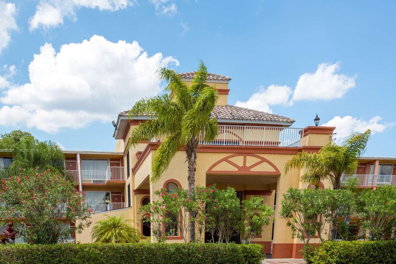 Exterior view - Howard Johnson Inn Tropical Palms Kissimmee