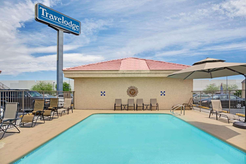 Pool - Travelodge Ambassador Strip Las Vegas