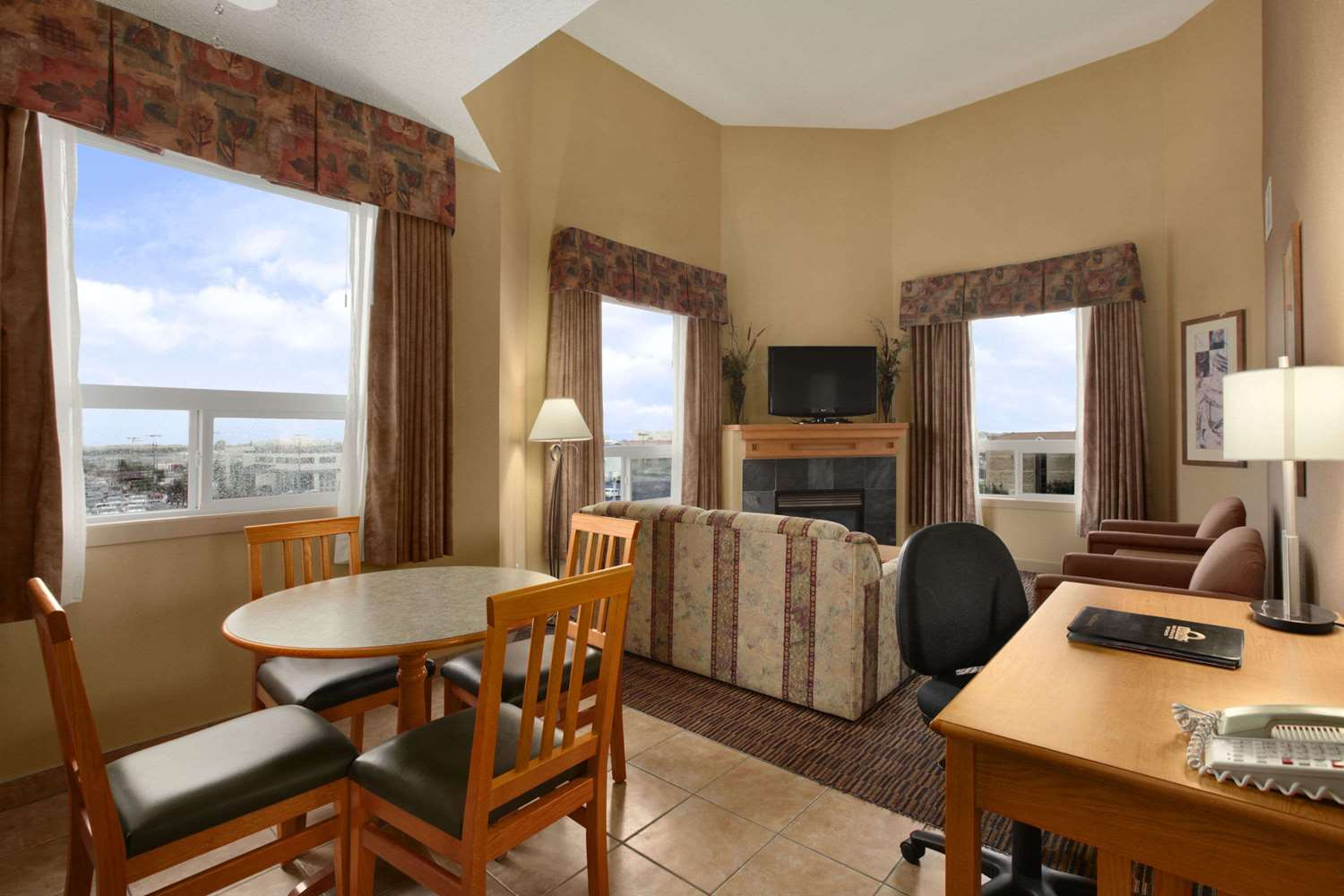 Suite - Days Inn Edmonton West