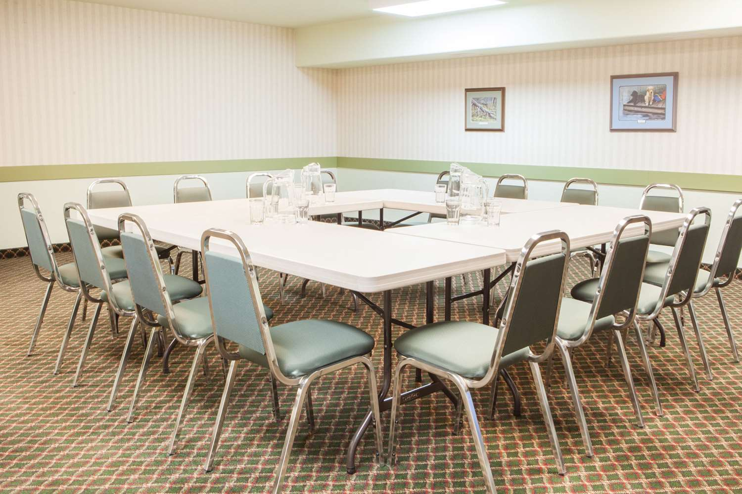 Meeting Facilities - Super 8 Hotel Swan River