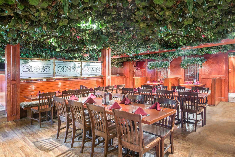 Restaurant - Howard Johnson Inn Bartonsville