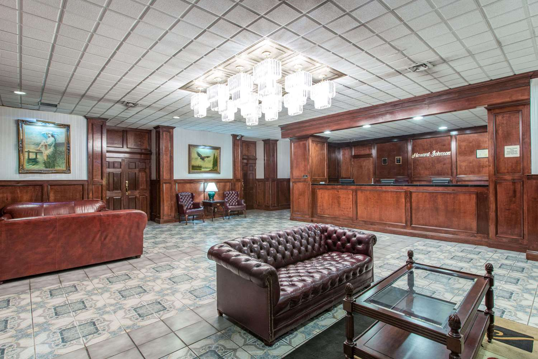 Lobby - Howard Johnson Inn Bartonsville