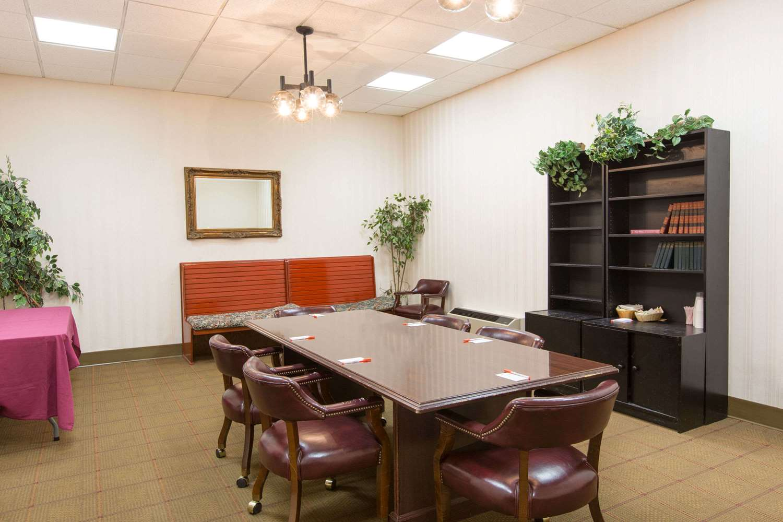 Meeting Facilities - Howard Johnson Inn Bartonsville