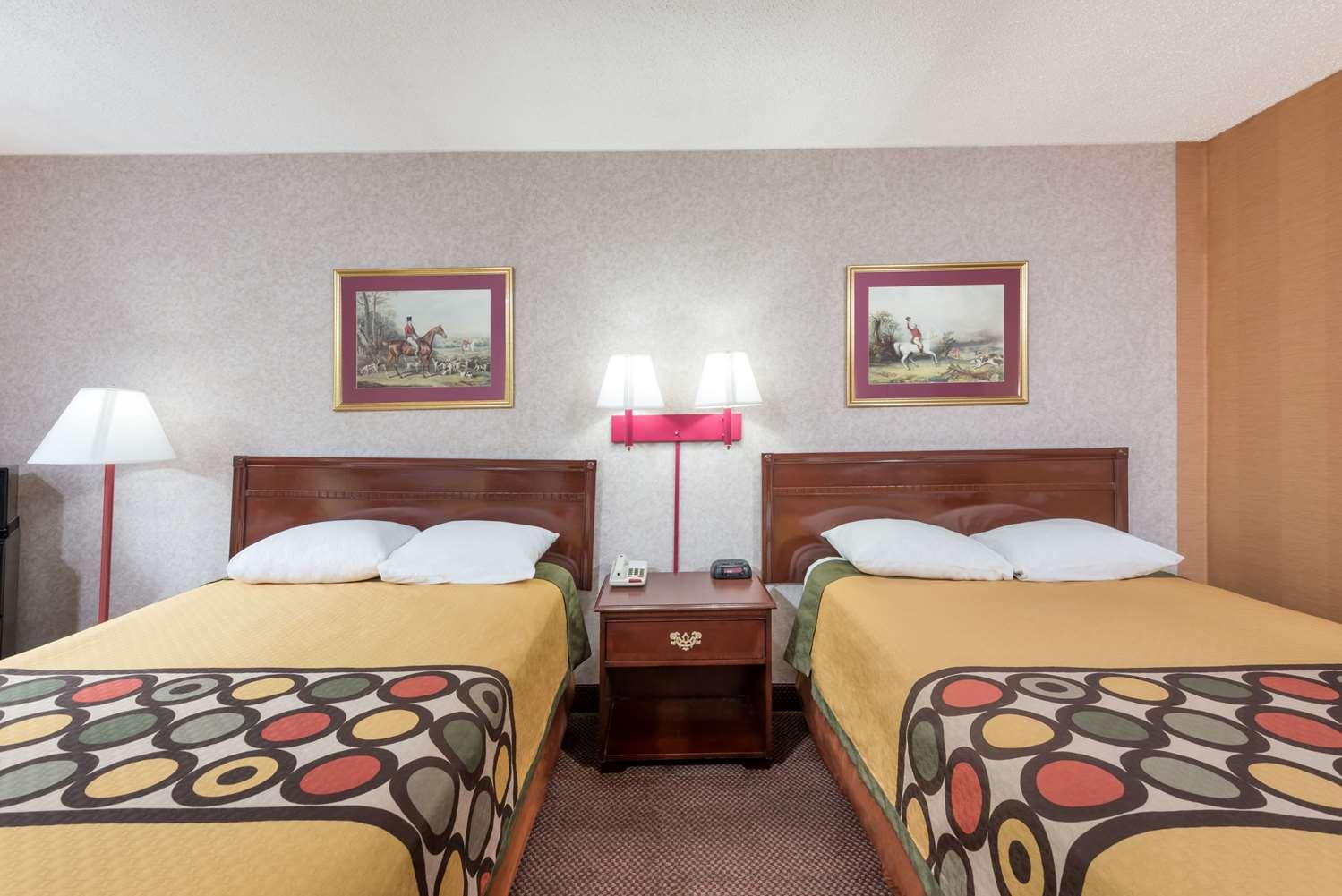 Room - Super 8 Hotel Hancock