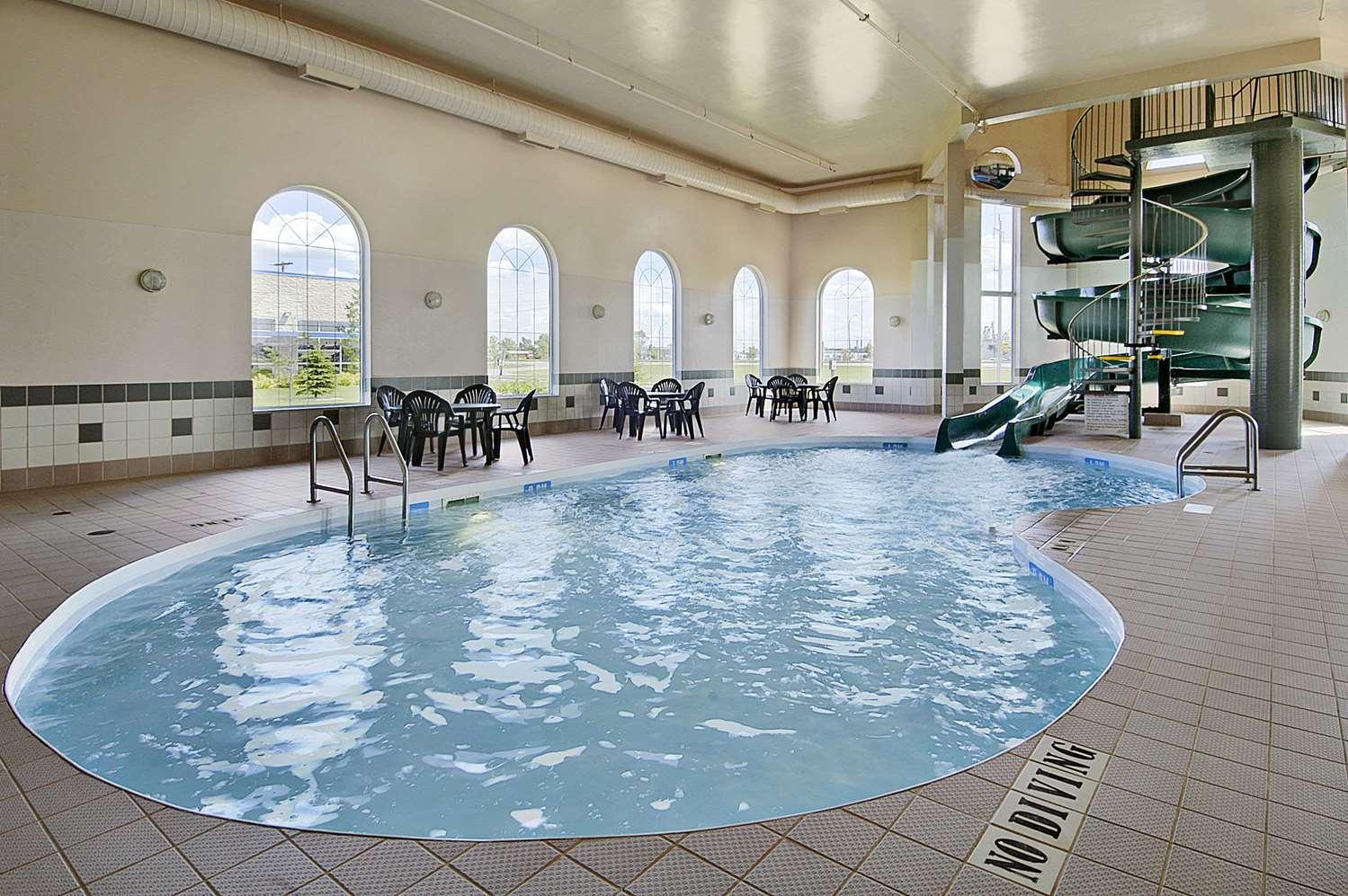 Pool - Days Inn Suites Winkler