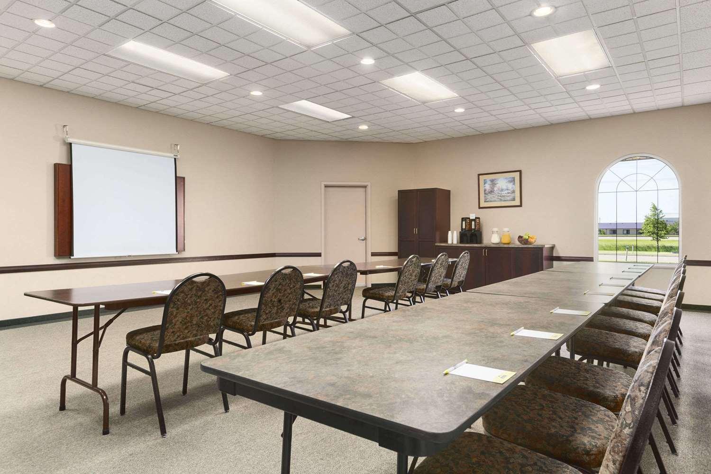 Meeting Facilities - Days Inn Suites Winkler