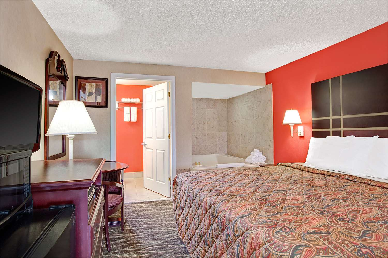 Suite - Days Inn Ridgefield