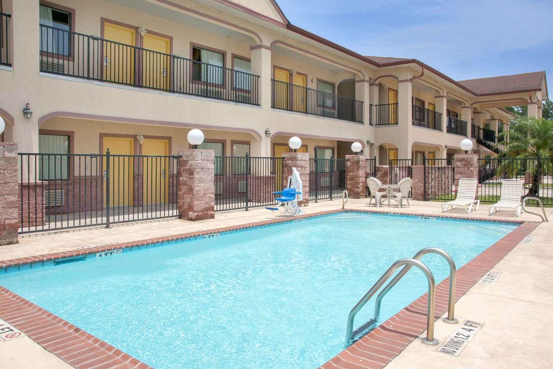 Pool Super 8 Hotel Fm 1960 Road Humble