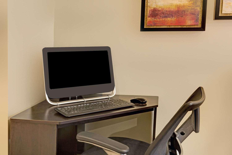 Conference Area - Super 8 Hotel Windsor