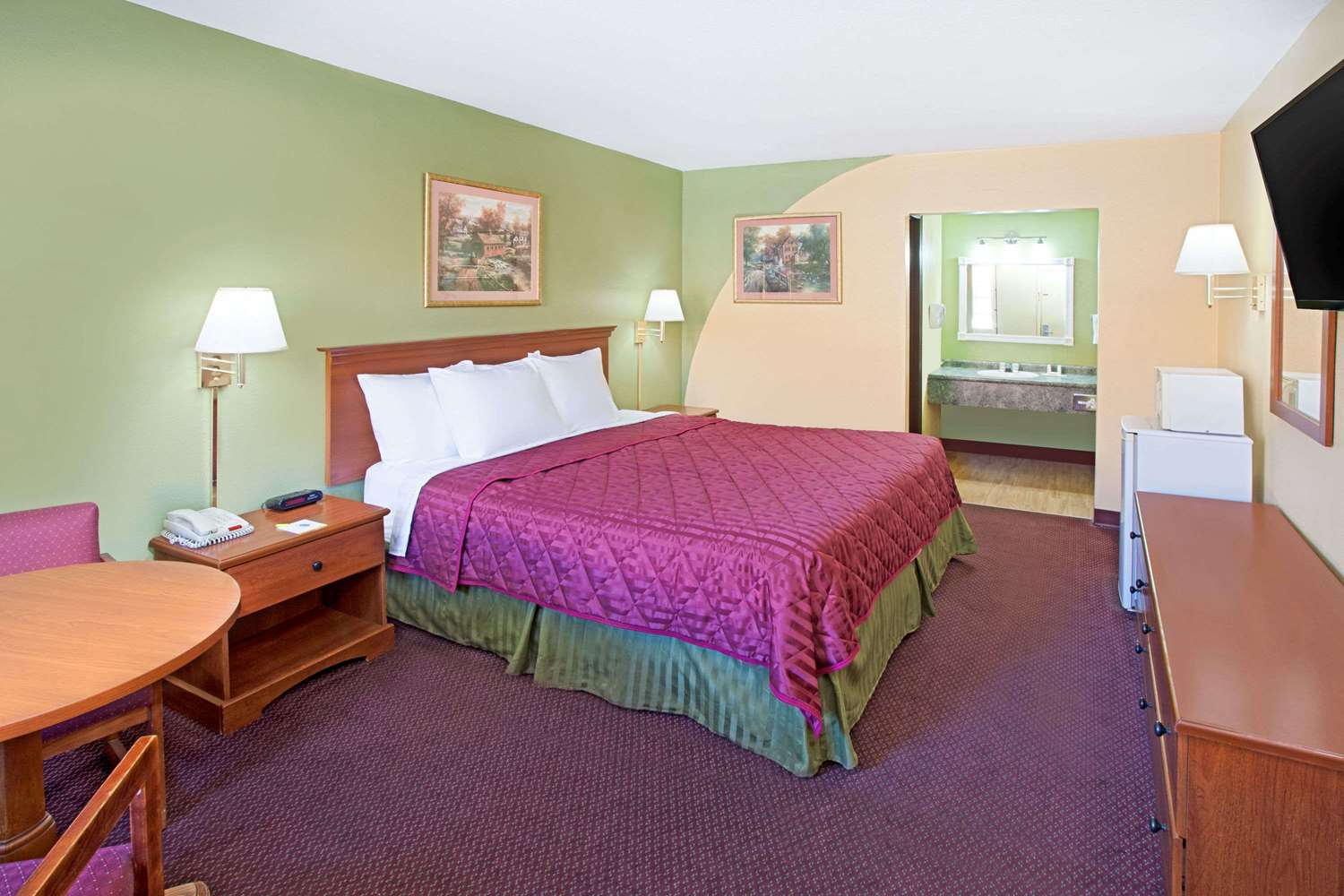 Days Inn Amp Suites Terre Haute In See Discounts