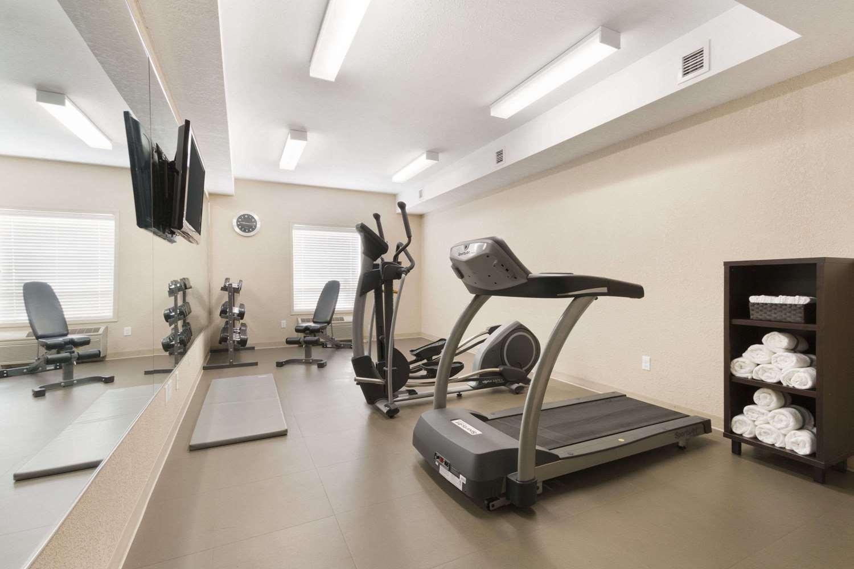 Fitness/ Exercise Room - Days Inn Medicine Hat