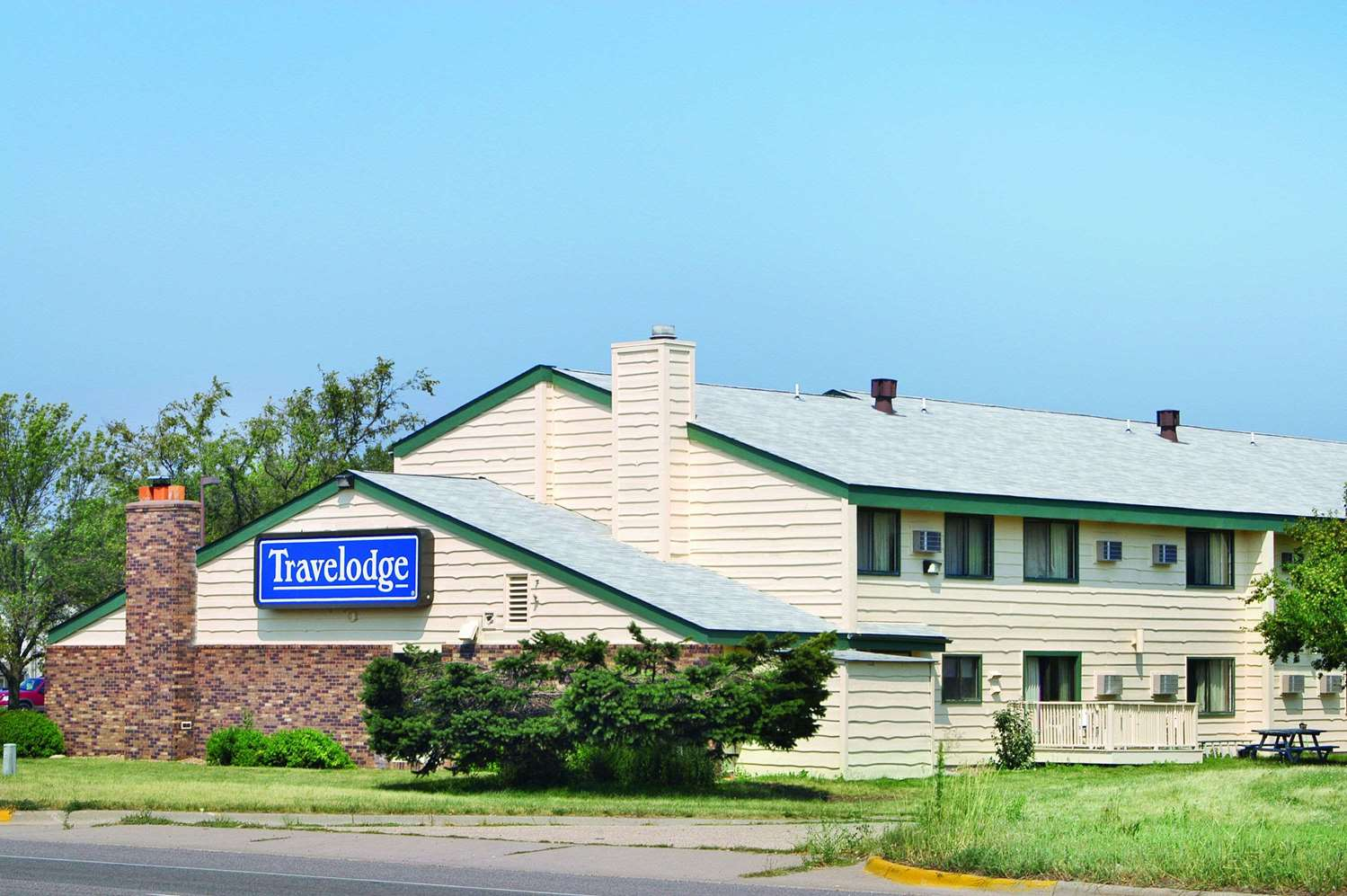 Exterior view - Travelodge Shakopee