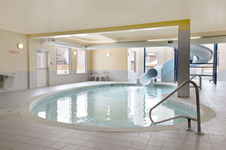 Pool - Days Inn Moose Jaw