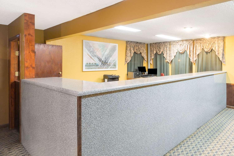 Lobby - Super 8 Hotel Bossier City