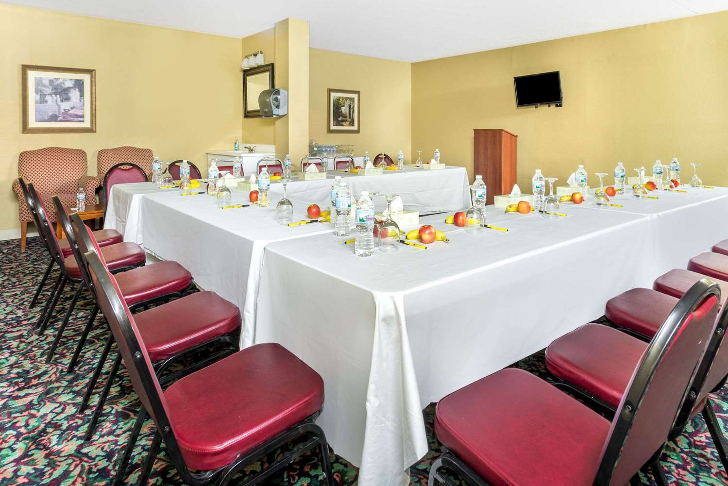 Meeting Facilities - Super 8 Hotel Dayton International Airport Vandalia
