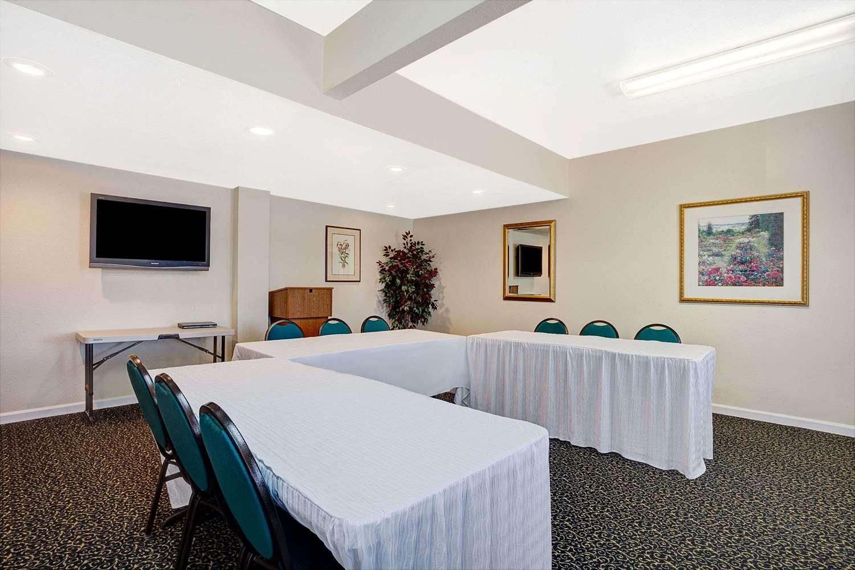 Meeting Facilities - Days Inn Everett