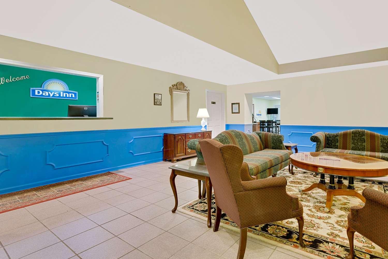 Lobby - Days Inn North Spartanburg