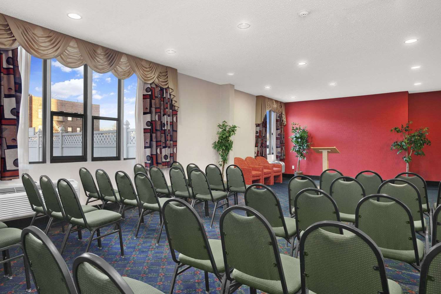 Meeting Facilities - Ramada Inn East Orange