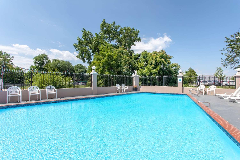 Pool - Ramada Limited Hotel Cockeysville