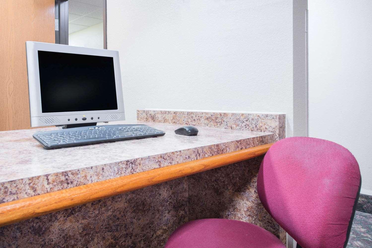Conference Area - Super 8 Hotel Iola