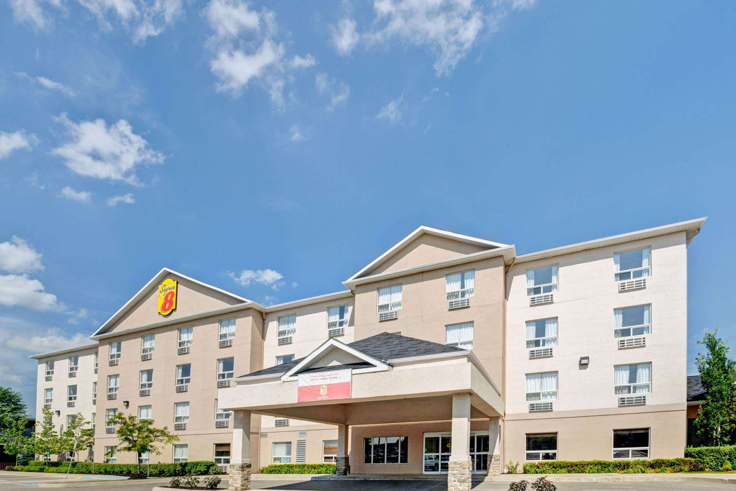 Exterior view - Super 8 Hotel Barrie