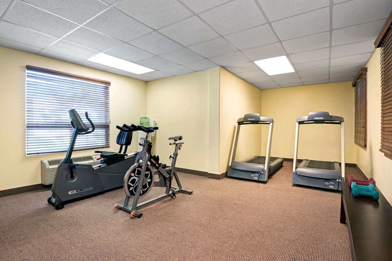 Fitness/ Exercise Room - Super 8 Hotel Barrie