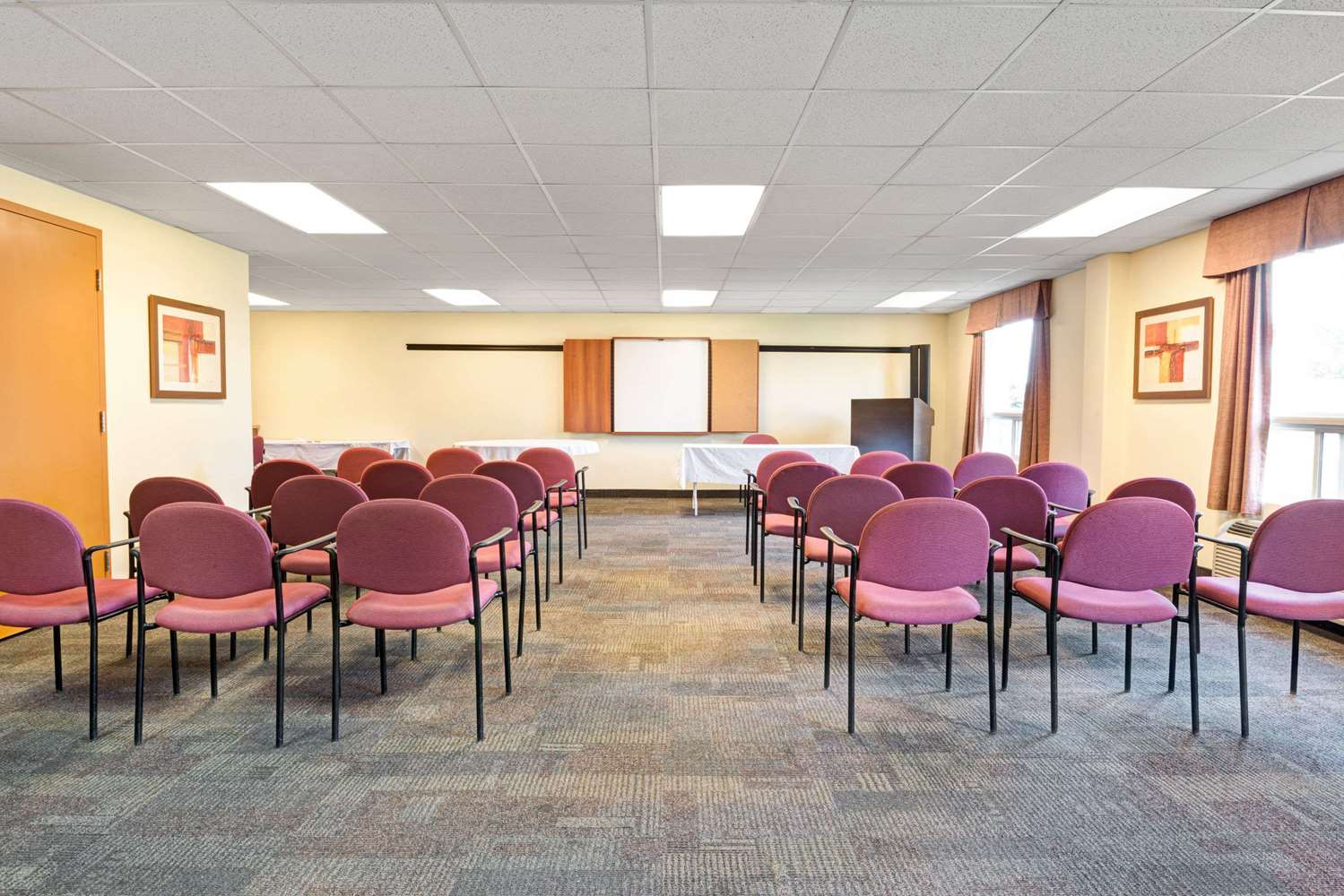 Meeting Facilities - Super 8 Hotel Barrie