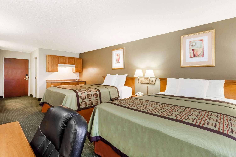 Room - Days Inn New Iberia