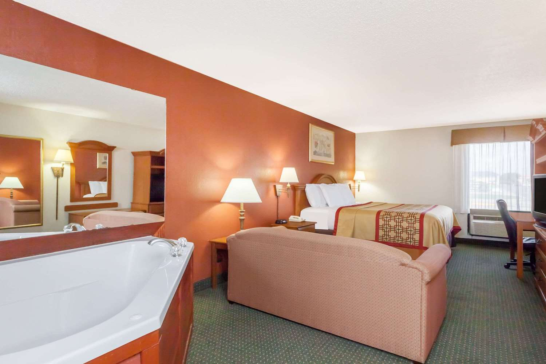 Suite - Days Inn New Iberia