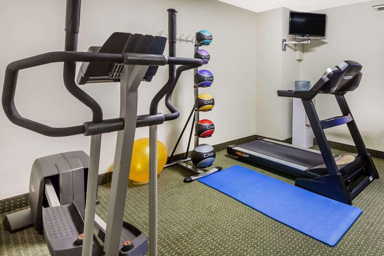Fitness/ Exercise Room - Days Inn New Iberia