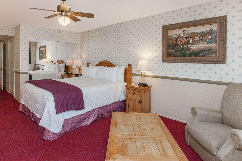 Room - Days Inn Lebec