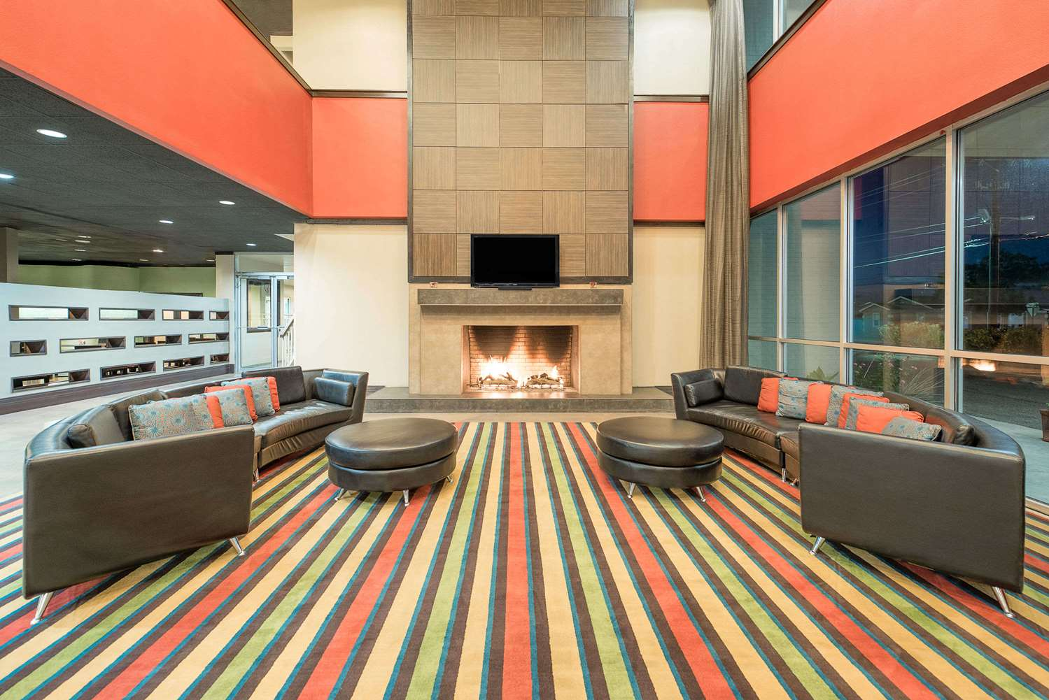 Lobby - Wyndham Garden Hotel Midland