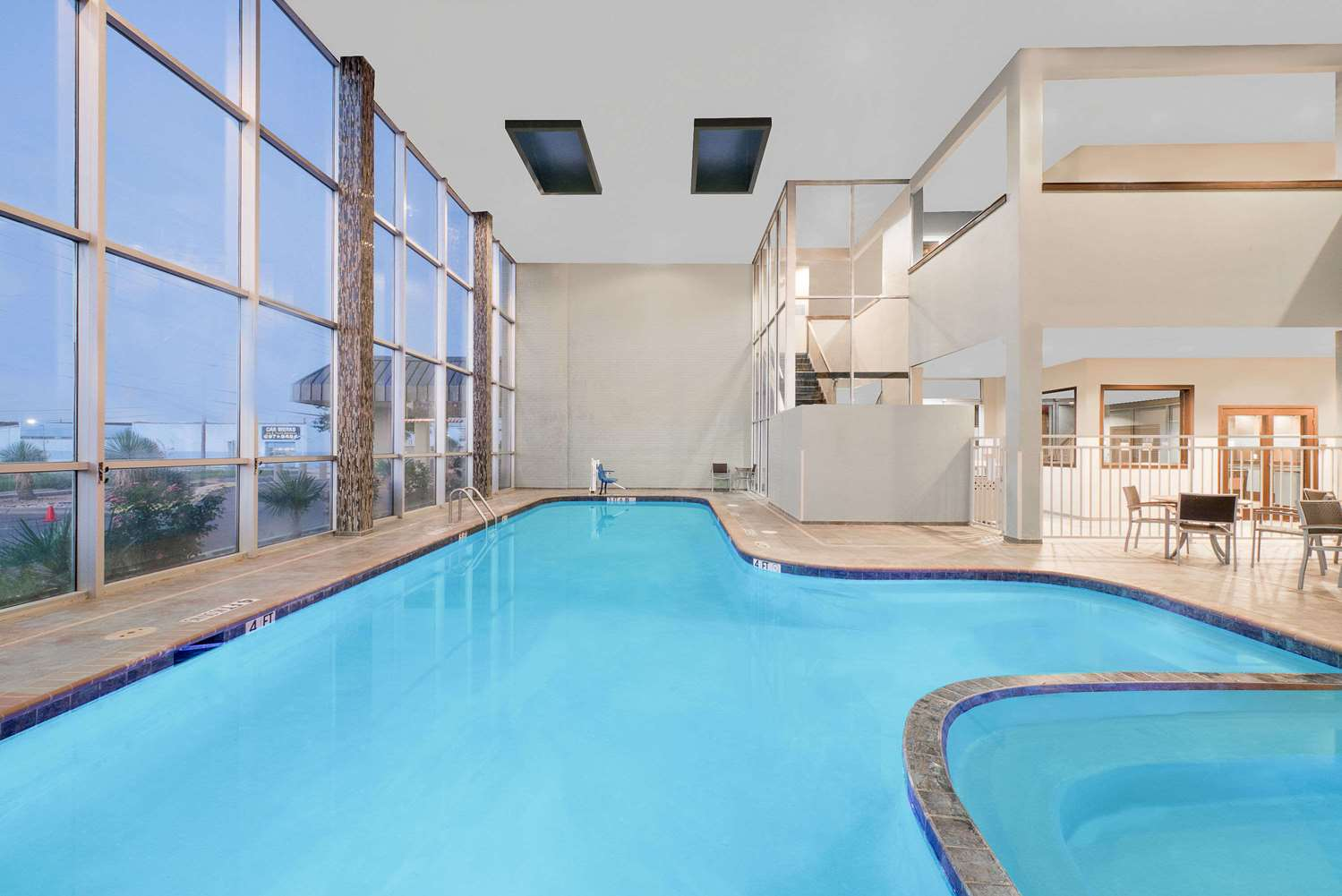 Pool - Wyndham Garden Hotel Midland