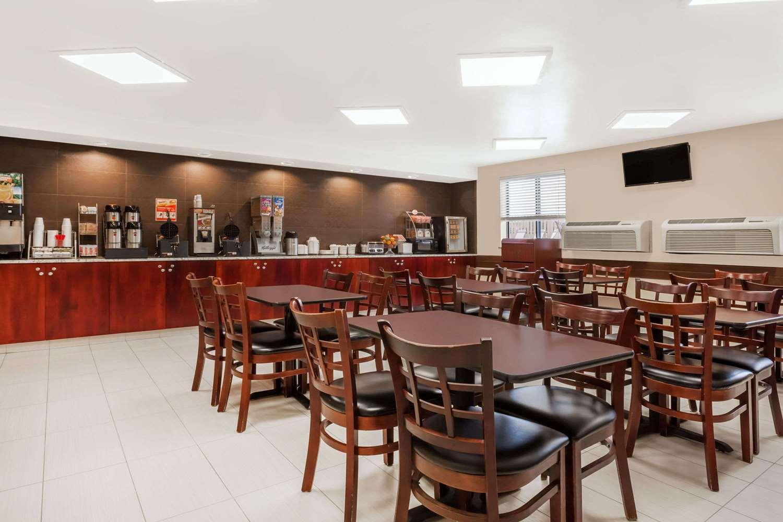 proam - Super 8 Hotel Wenatchee