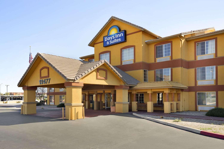 Exterior view - Days Inn & Suites Surprise