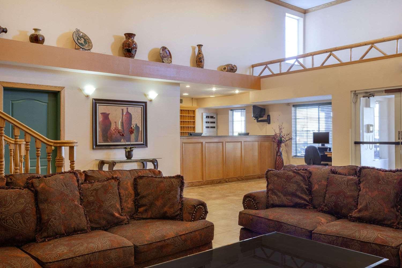 Lobby - Days Inn & Suites Surprise