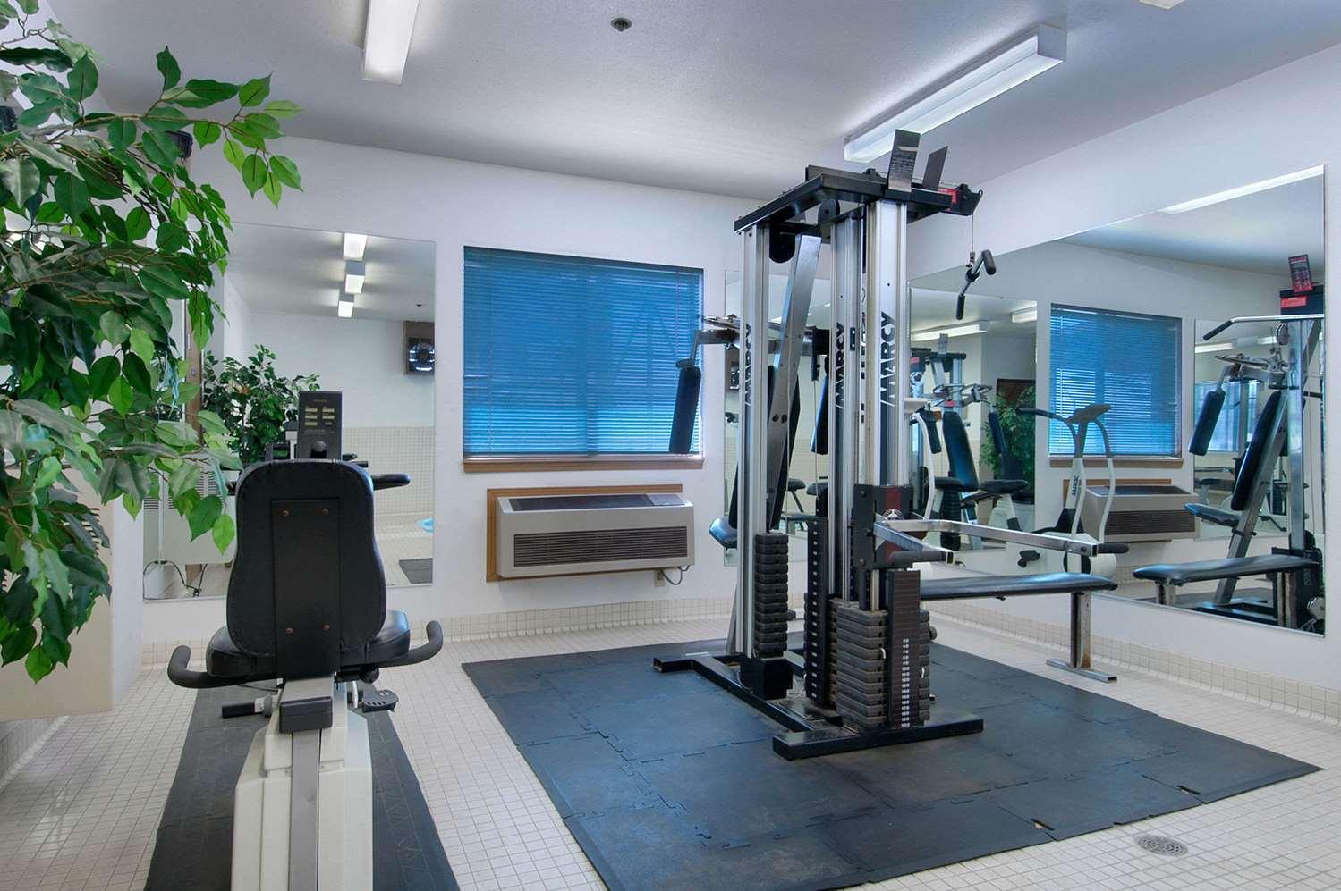 Fitness/ Exercise Room - Travelodge Elko